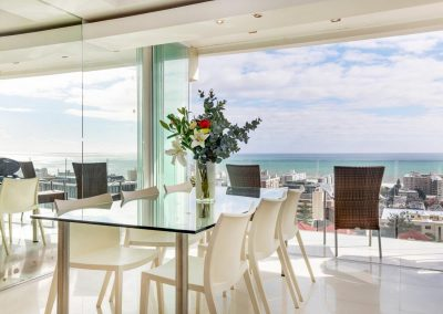 """Klein aber fein"" – Apartment in Sea Point"